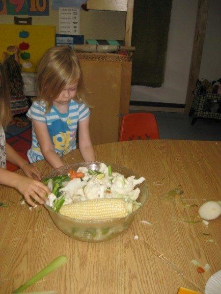preschool-cutting-veggies-1