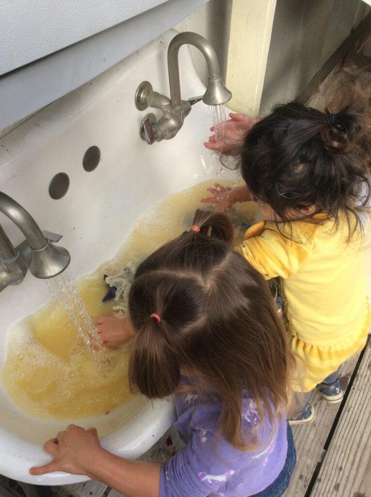 toddler preschool washing